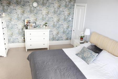 13_Bedroom1.jpg