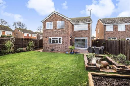 Finches Close, Partridge Green,