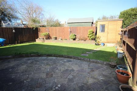 Finches Close, Partridge Green, Horsham