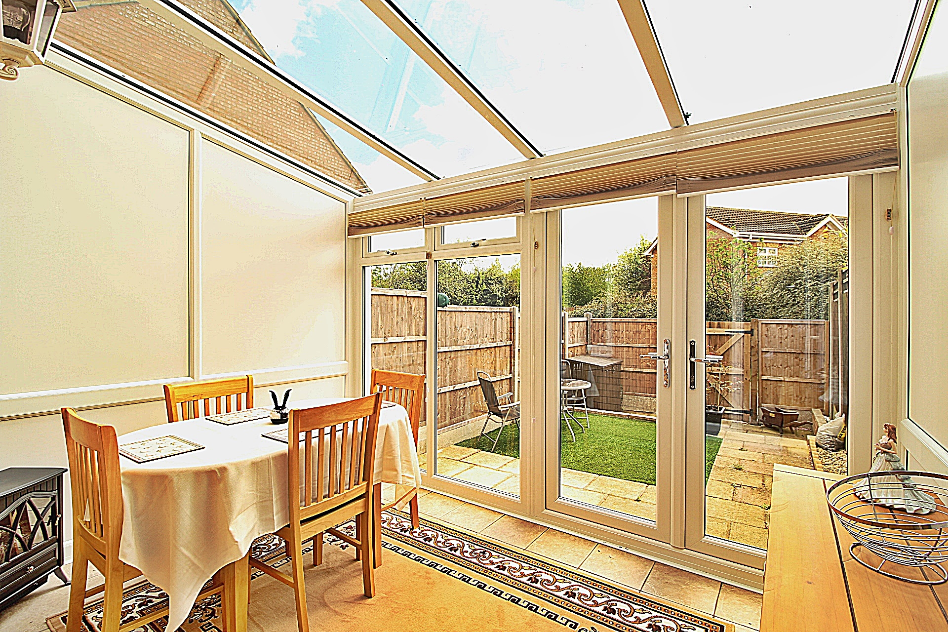 2 bedroom end of terrace house for sale in biggleswade for How much is a bathroom worth on an appraisal