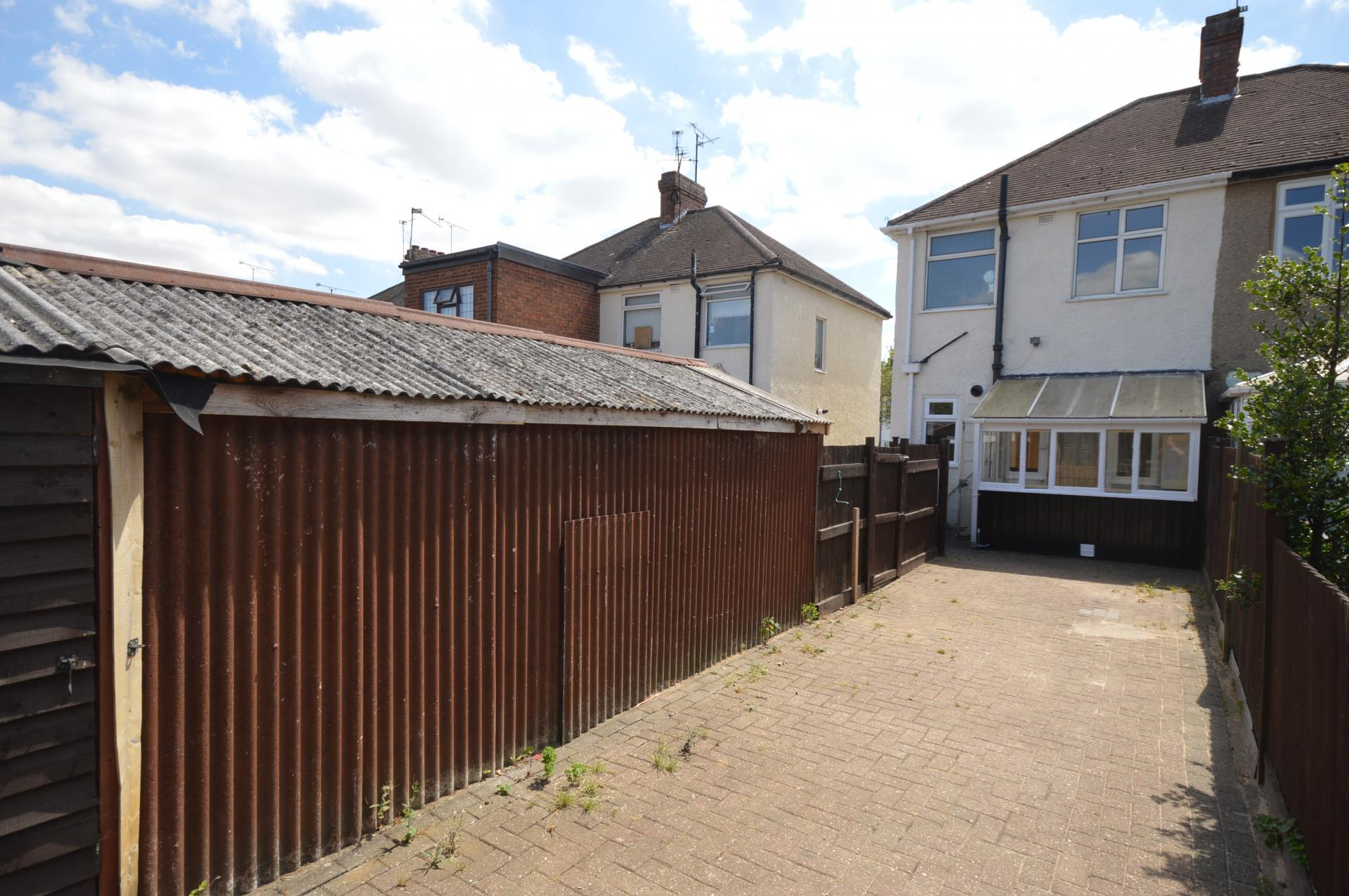 2 Bedroom Semi Detached House For Sale In Luton