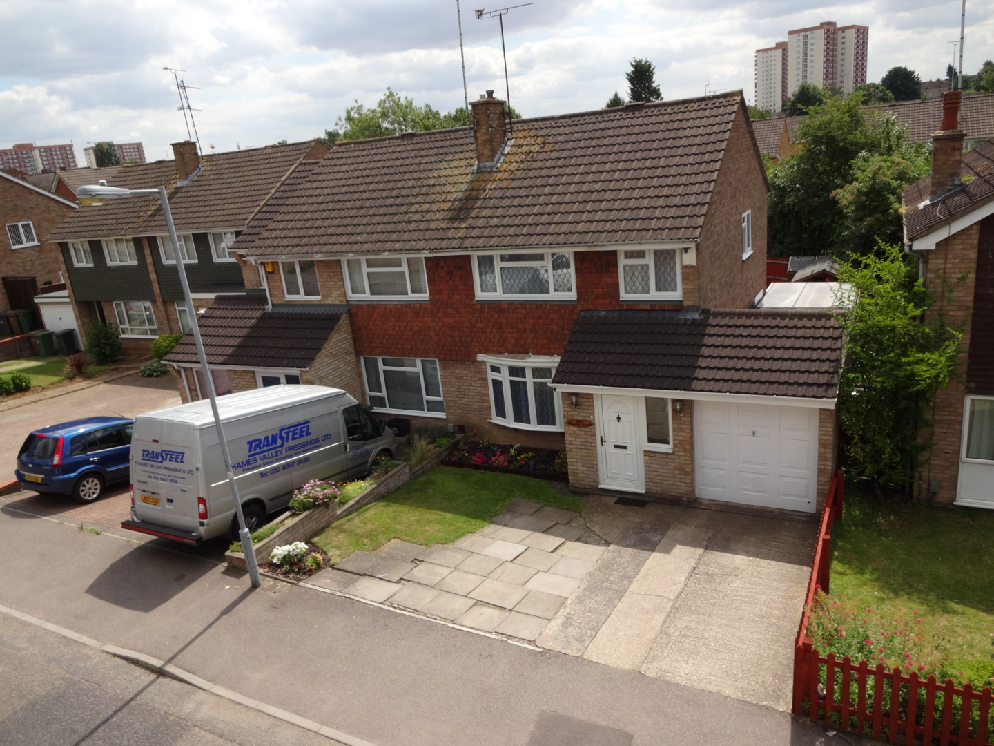 3 Bedroom Semi Detached House For Rent In Luton