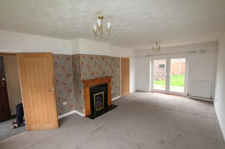 Overpool Road, Great Sutton, Ellesmere Port, Cheshire. CH66