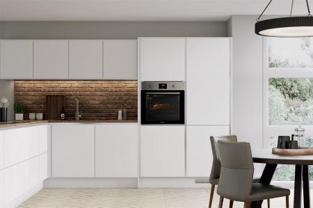 Howdens - Greenwich White - Kitchen Example.jpg