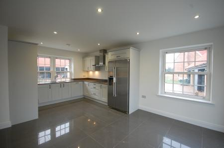 5 Bedroom Detached House For Sale In Brentwood
