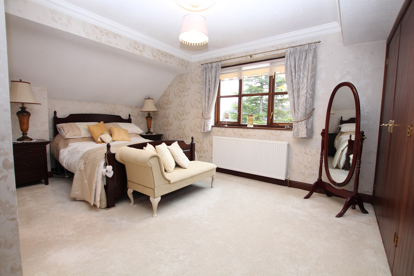 4 Bedroom Detached House For Sale In Lichfield