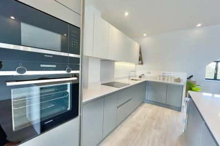 Penthouse, Redlynch House, Hythe, CT21