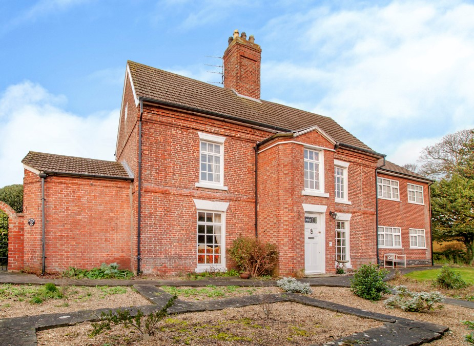 9 bedroom house for sale in skegness rh fineandcountry com