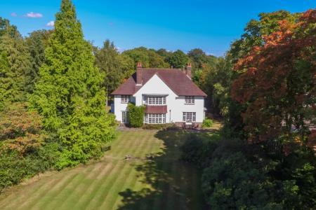 5 Bedroom Detached House For Sale In Berkhamsted
