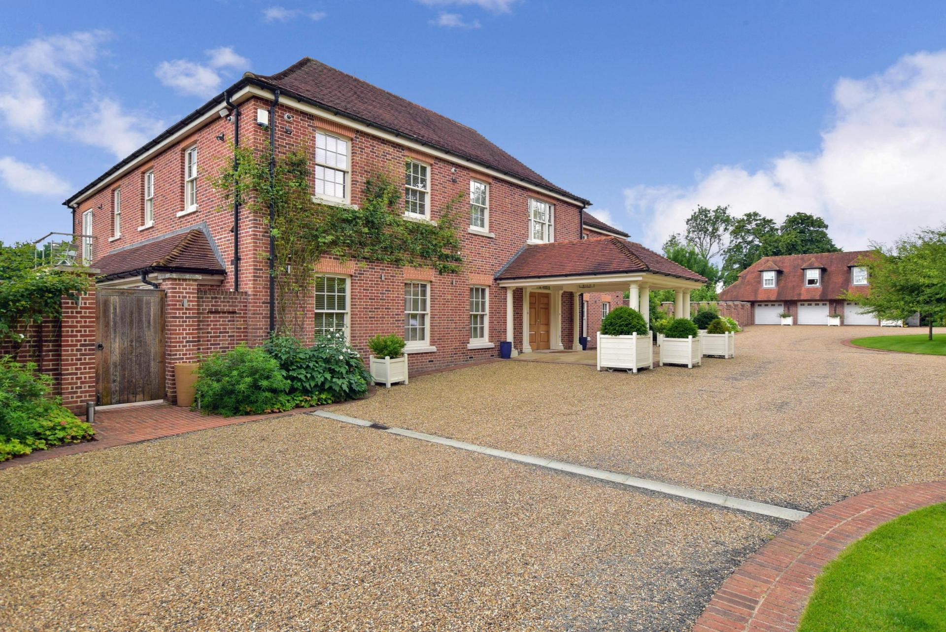 5 Bedroom Detached House For Sale In Canterbury
