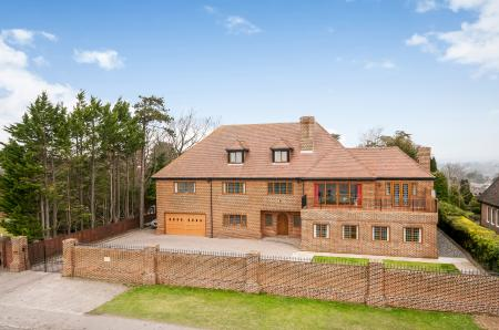 6 Bedroom Detached House For Sale In Portsmouth