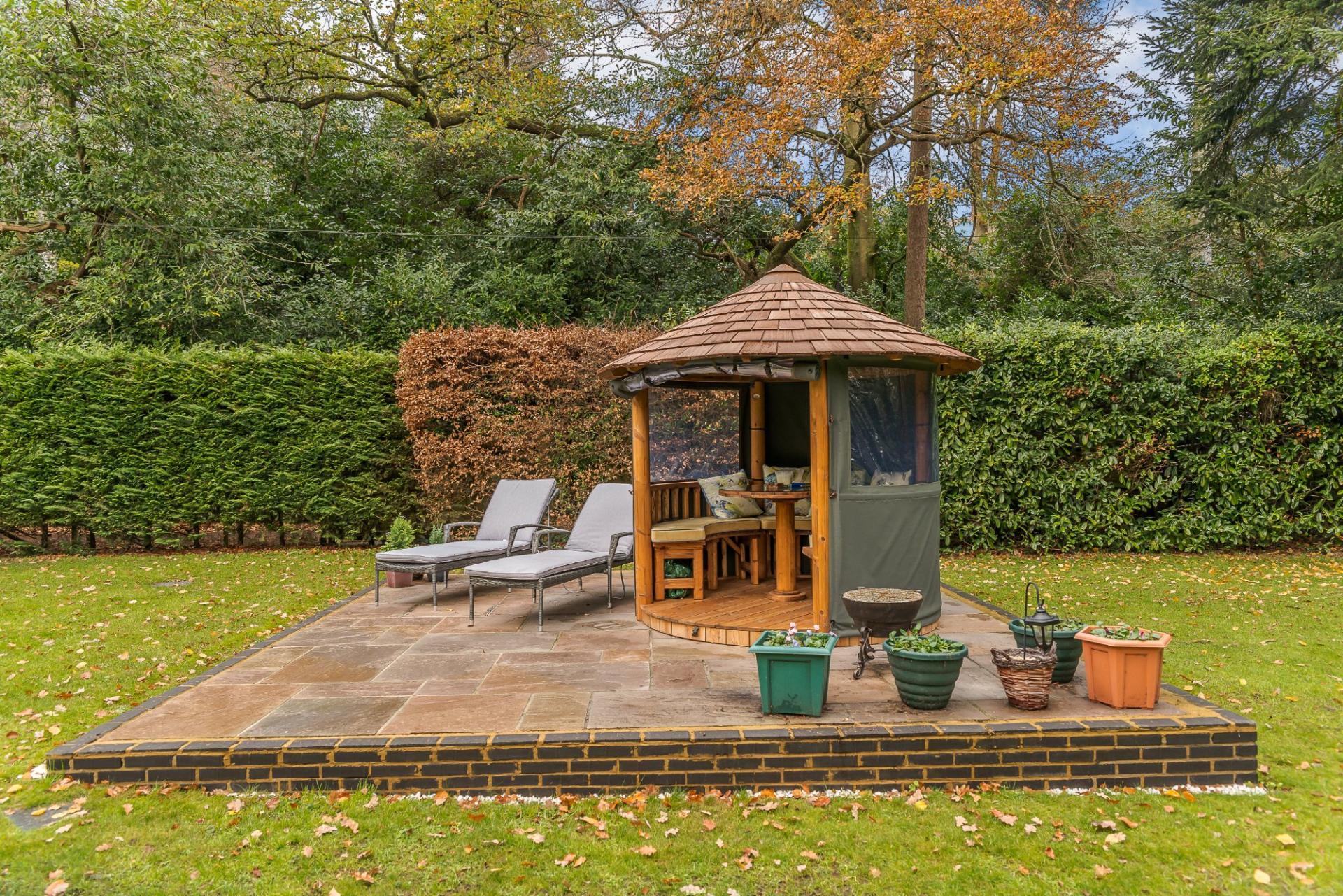 5 Bedroom Detached House For Sale In Ringwood