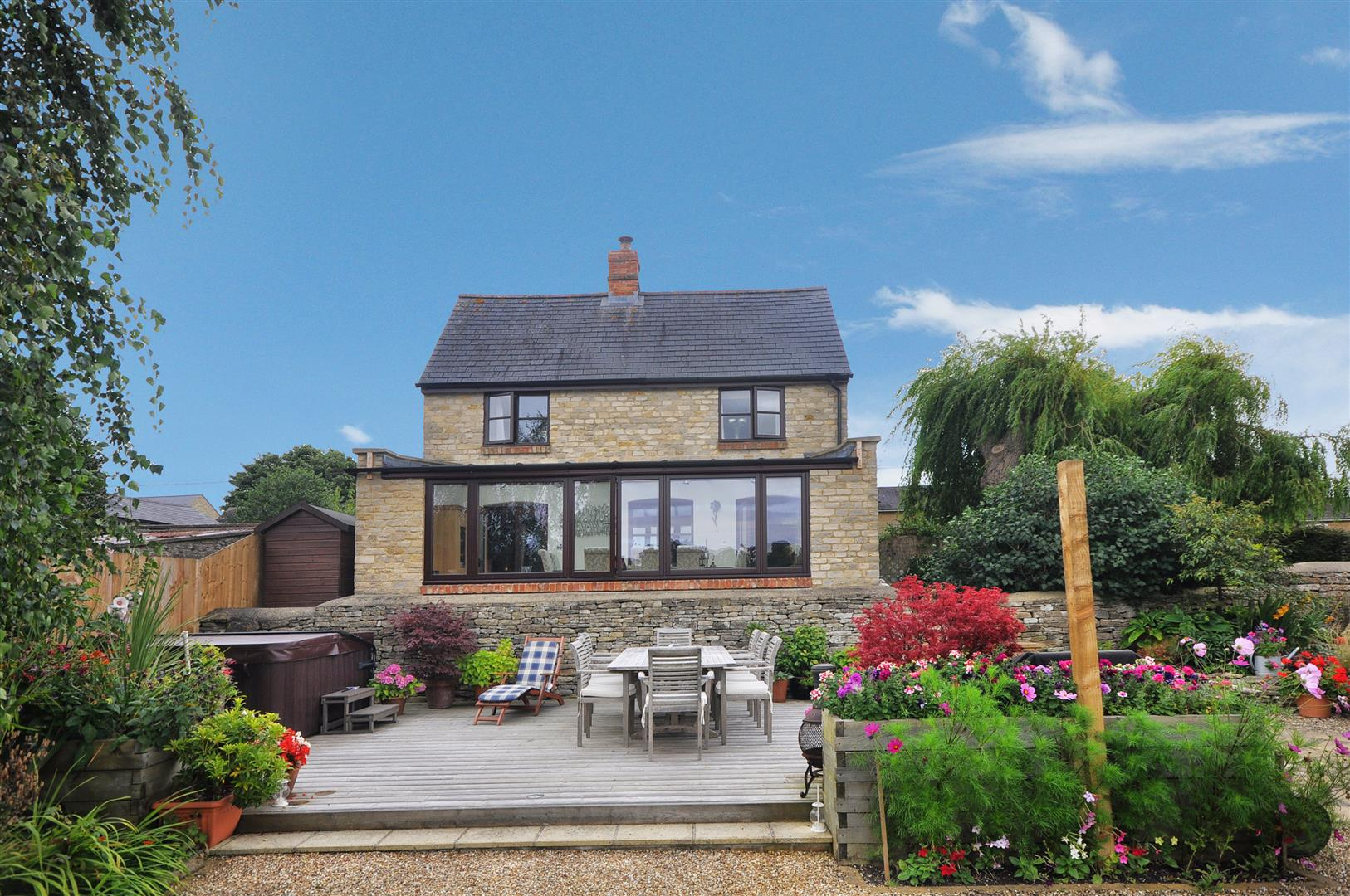 4 Bedroom Detached House For Sale In Fritwell
