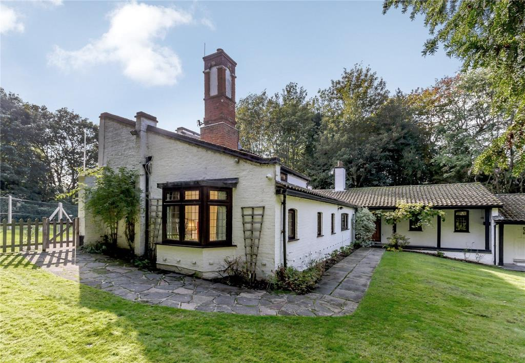 6 Bedroom Detached House For Sale In Brentwood