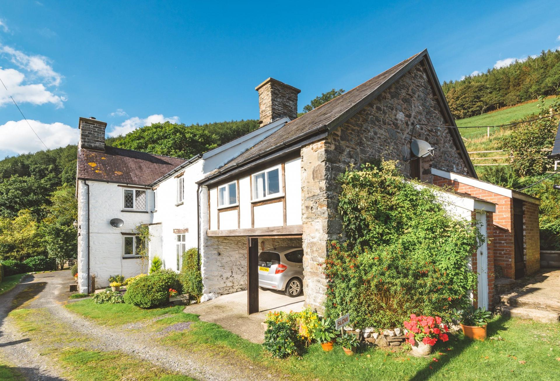 4 Bedroom Detached House For Sale In Powys
