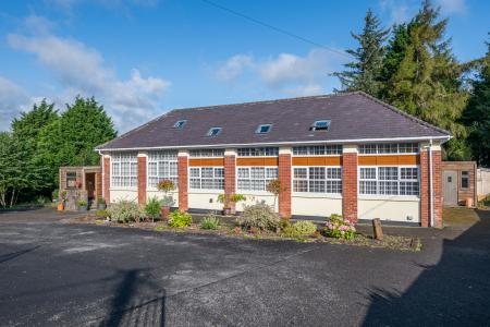 5 bedroom House for sale in Abergavenny