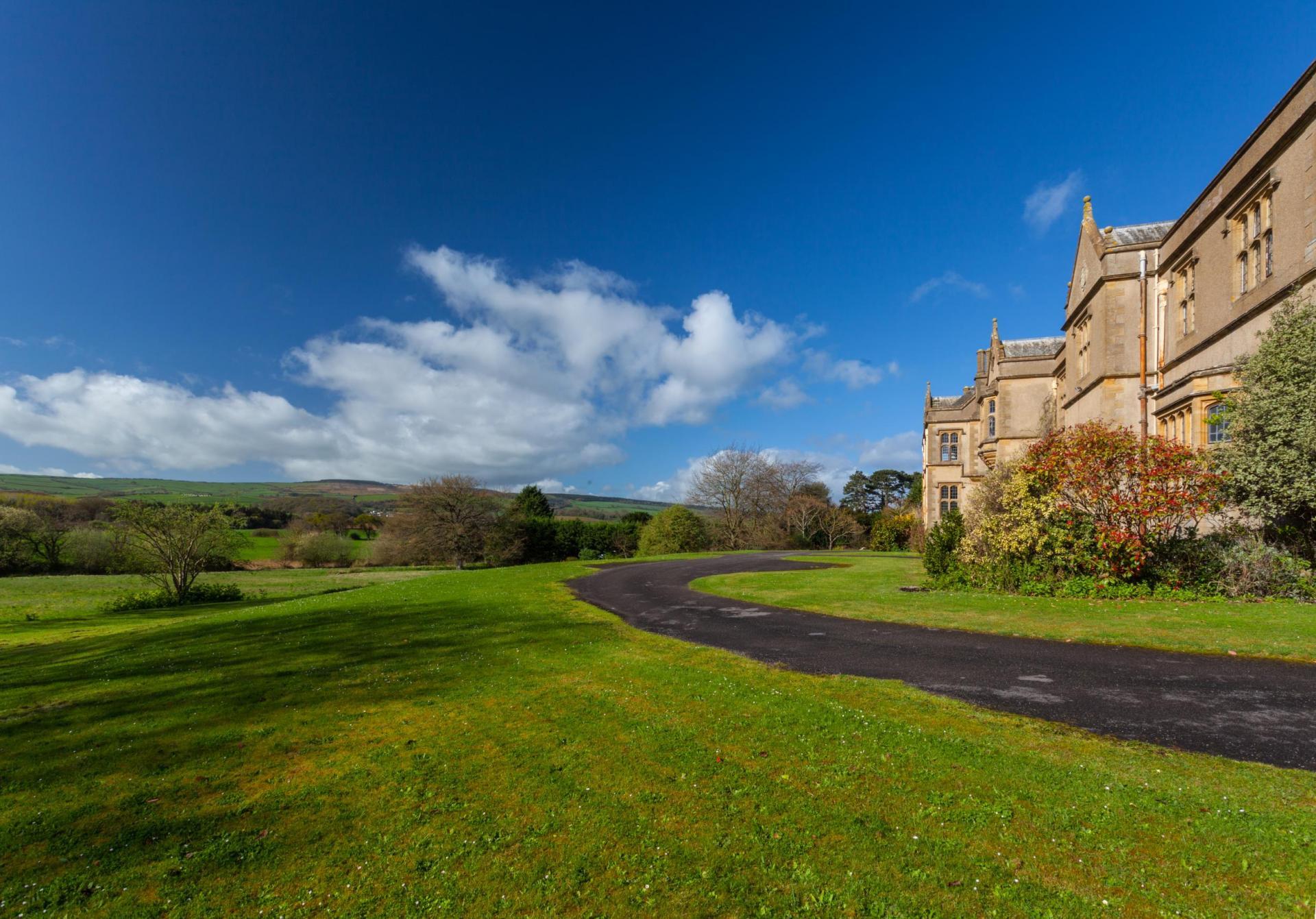8 Bedroom Detached House For Sale In Somerset