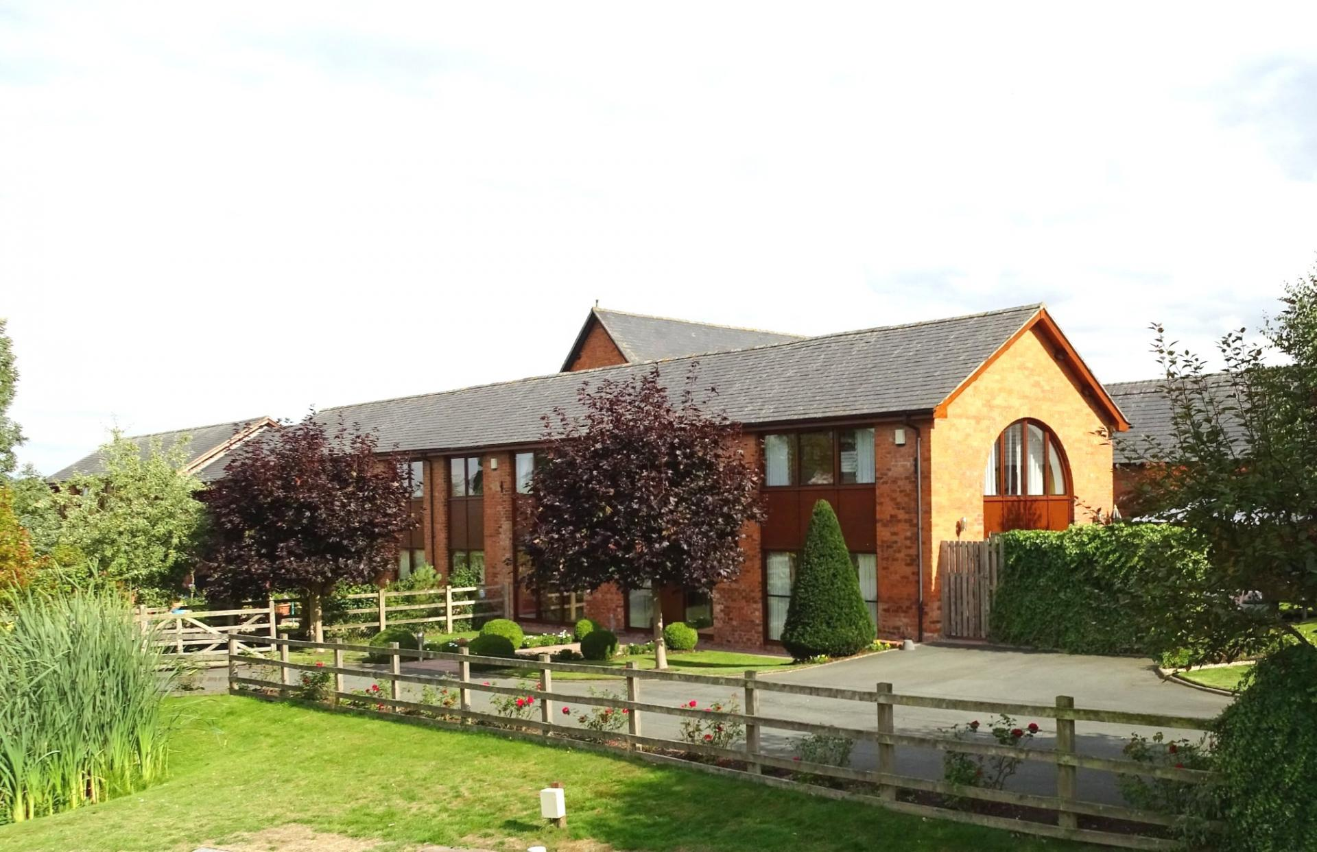 3 bedroom barn conversion for sale in marbury