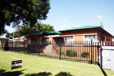 3 Bedroom House For Sale In Alberton
