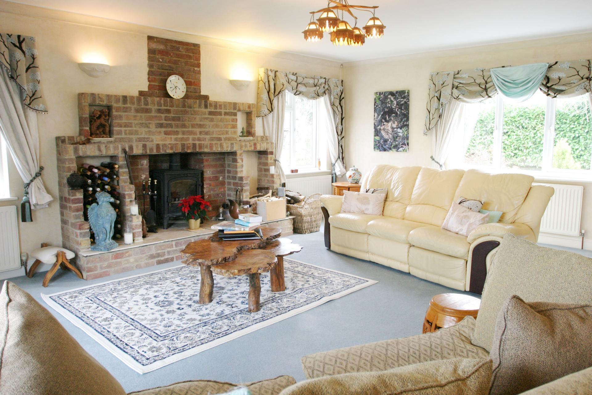 6 Bedroom House For Sale In Aylesbury