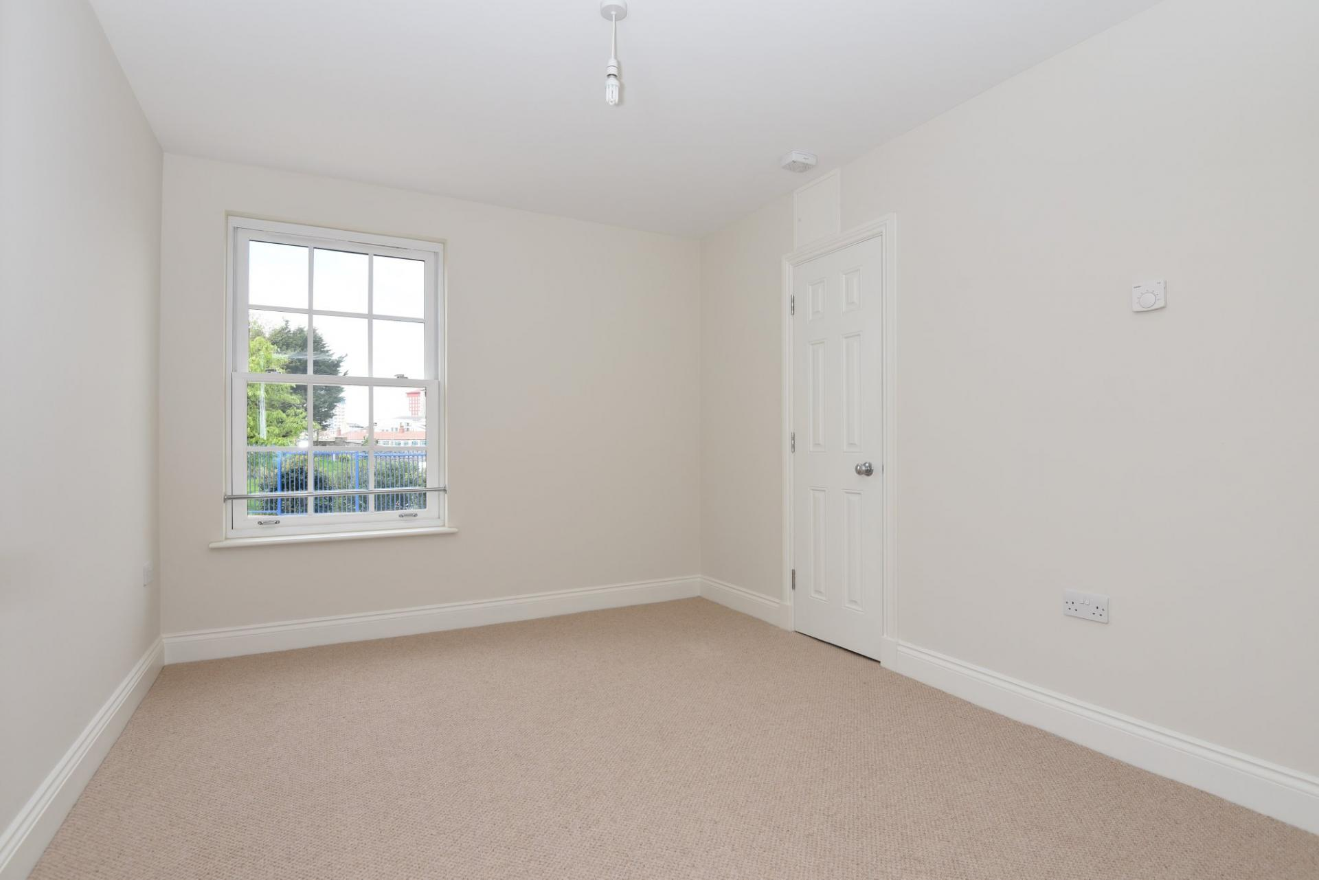 Bedroom Room To Rent In Plymouth Private