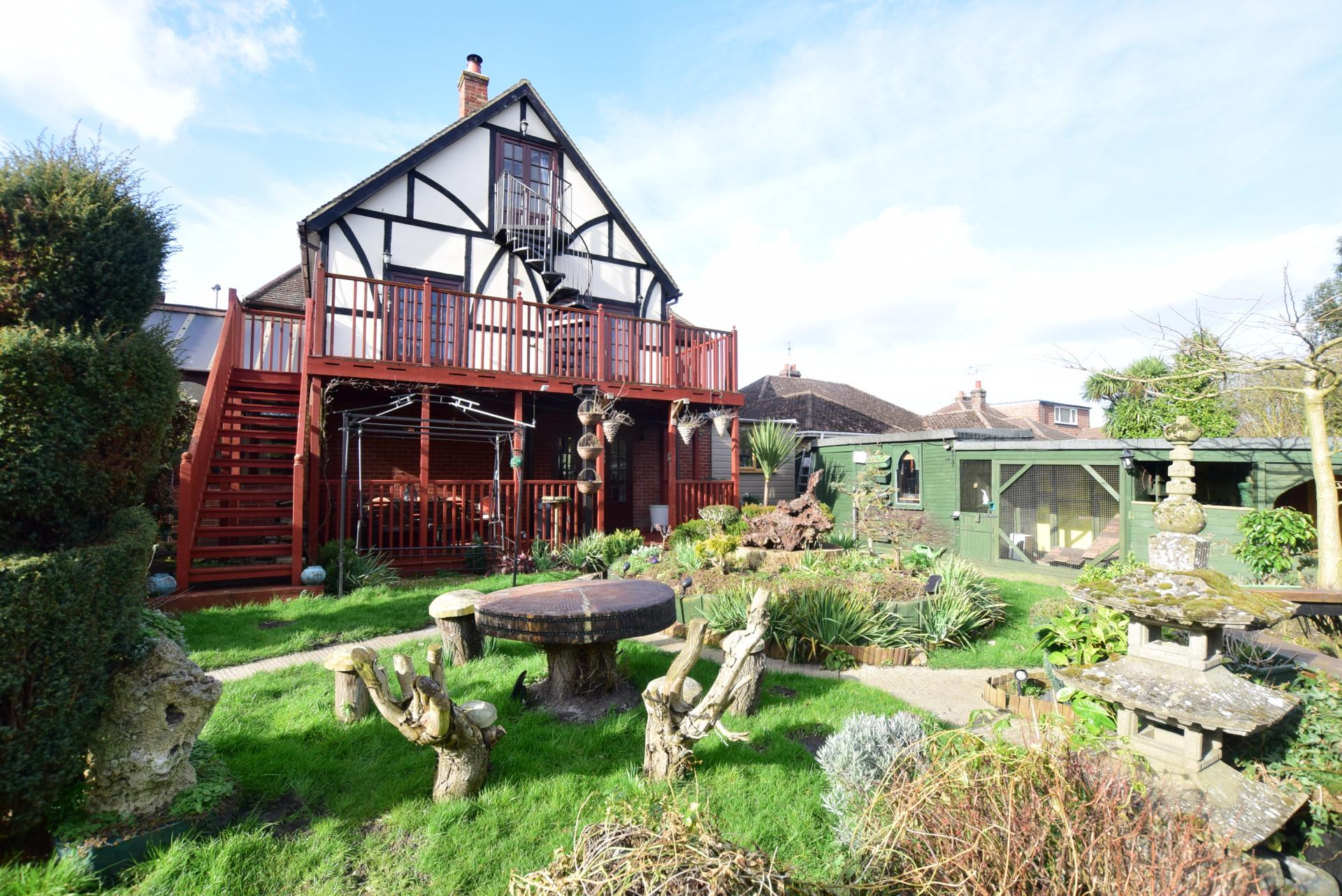 6 Bedroom House For Sale In Canterbury