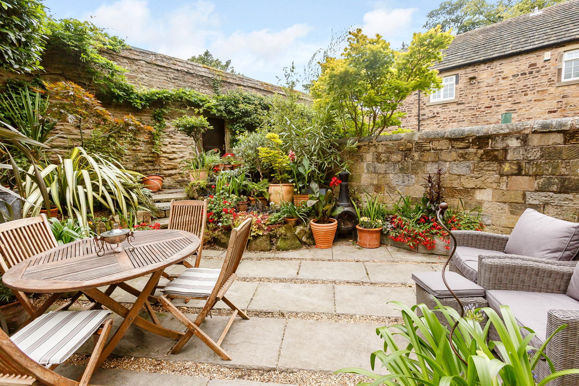 4 bedroom Mews House for sale in Barnsley
