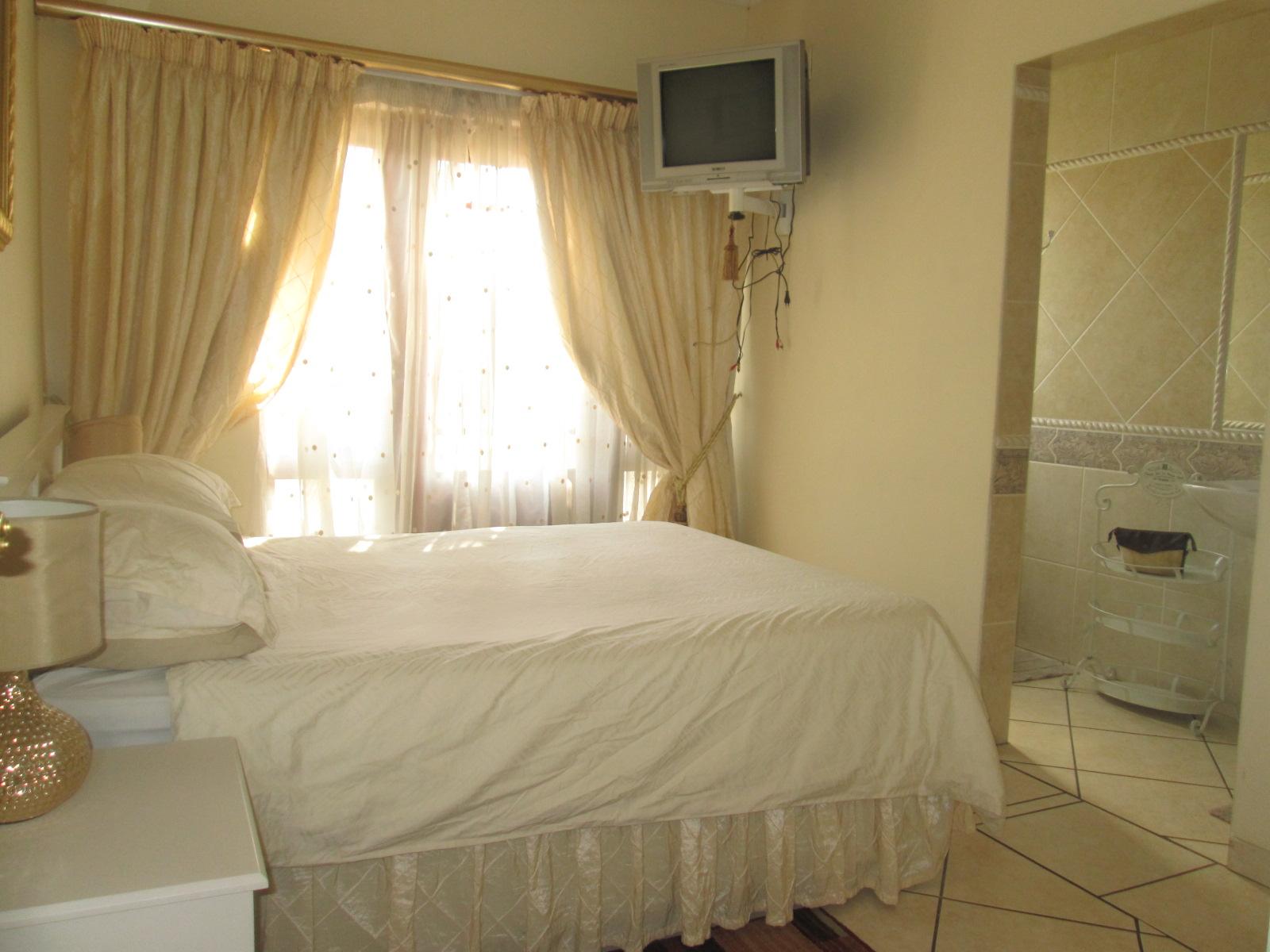 8 bedroom House for sale in Alberton