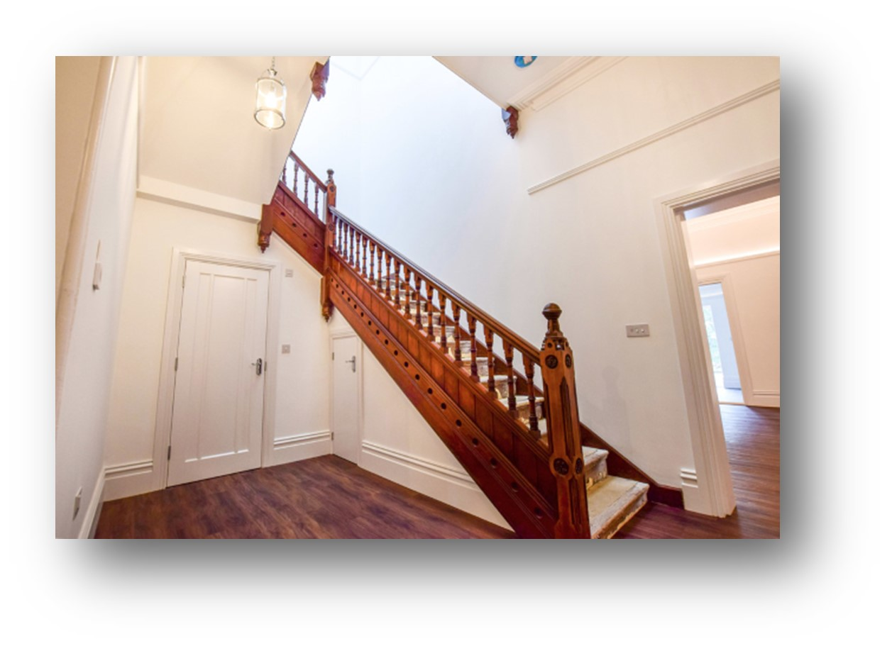 18_ravenscroft_house_stairs