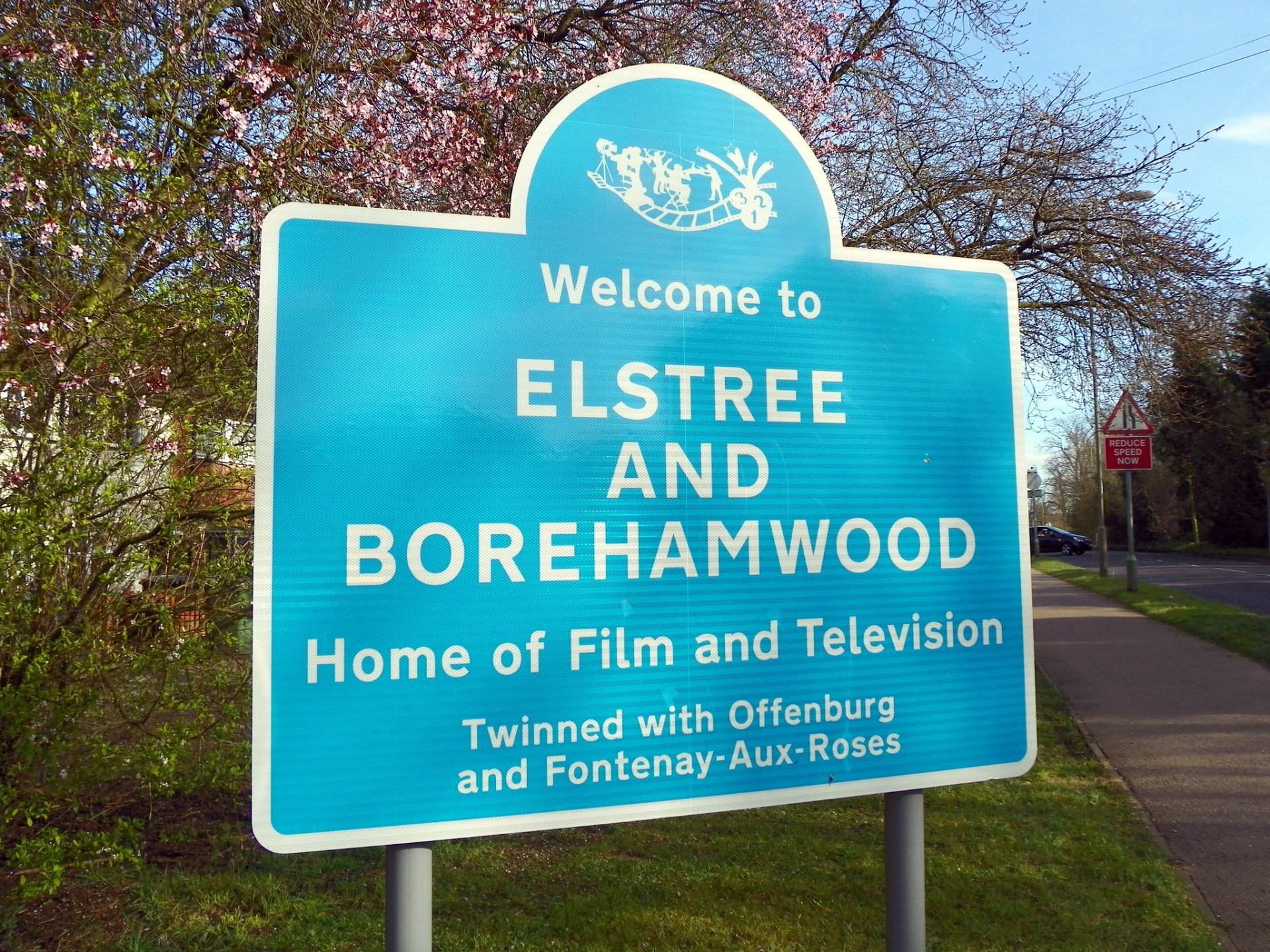 elstree_and_borehamwood_sign_hd