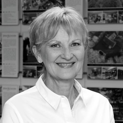 Vivienne Davies