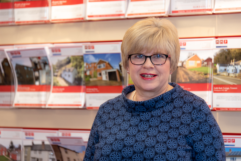 Lynda Evans
