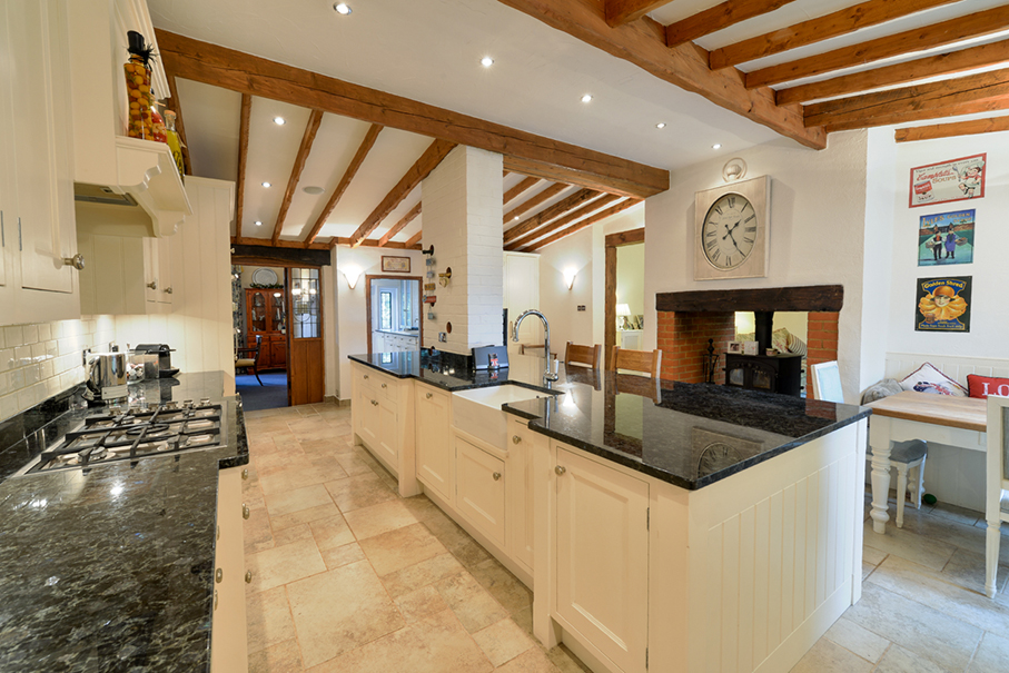 maple_house_tadworth_compressed_5_of_29