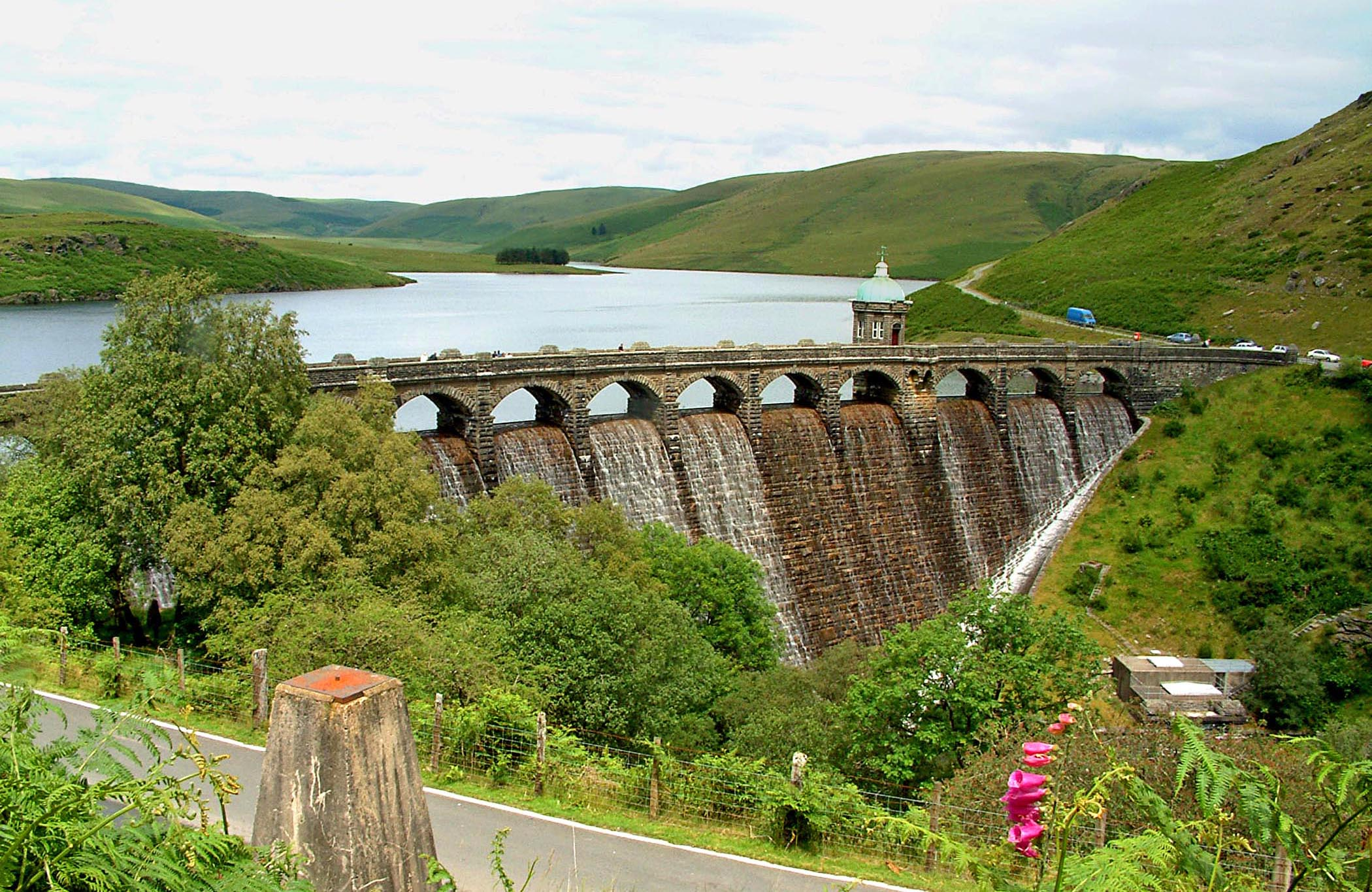 elan_valley_top_dam